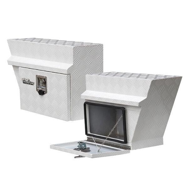 Aluminium under tray boxes